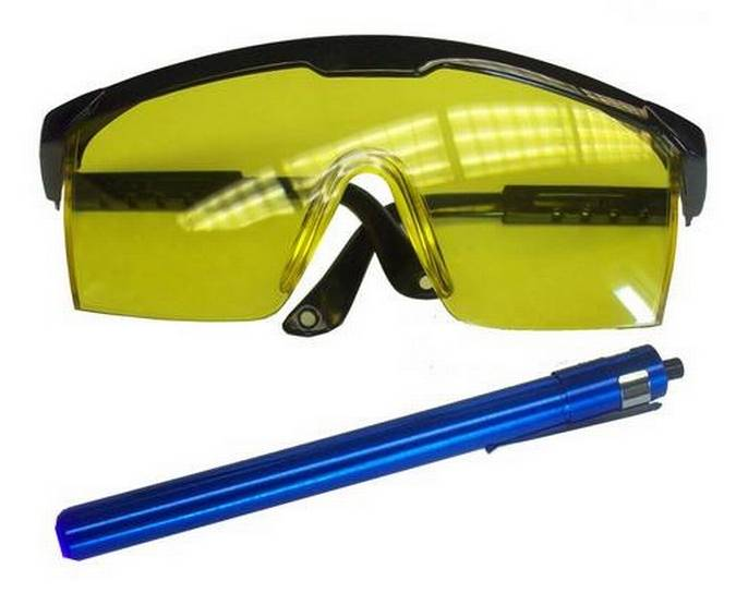 Envirosafe UV Glasses & Blacklight Kit #3530 Photo - Click to Enlarge